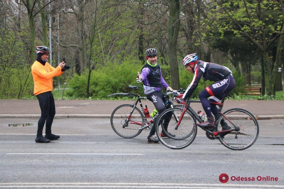 В парке Шевченко проходит Открытый чемпионат Украины по велоспорту (фоторепортаж)