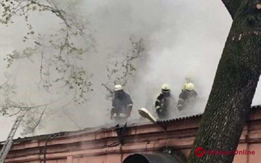 В Одессе горит психиатрическая больница