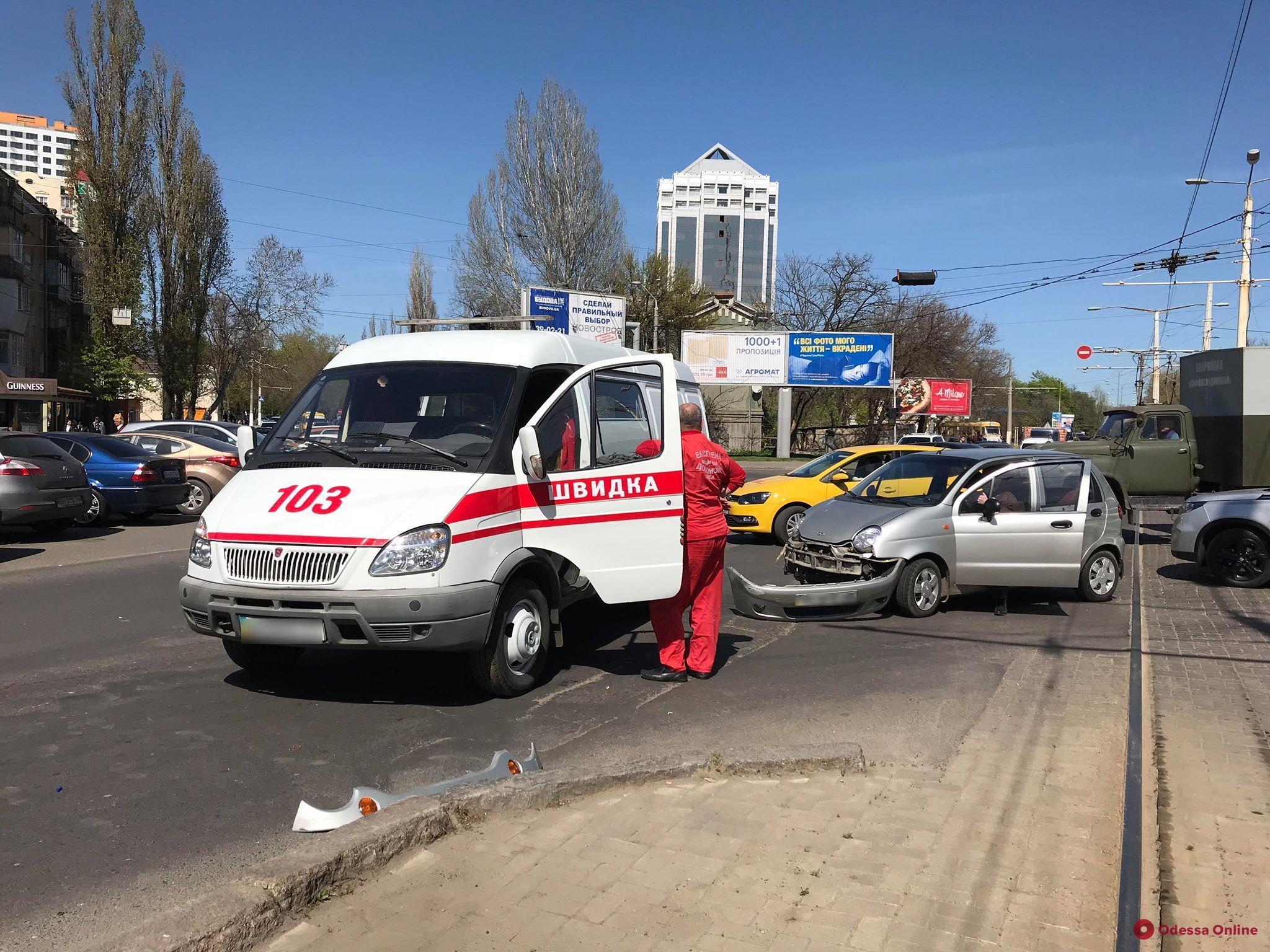 В Одессе столкнулись «скорая» и Daewoo