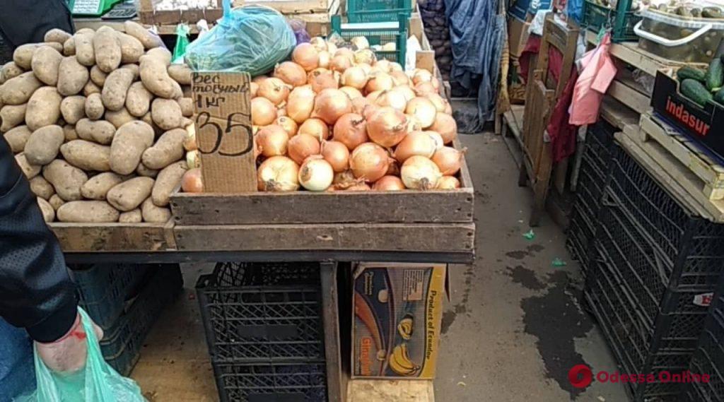 Первомайский шашлык обойдется одесситам дешевле, чем пасхальный: цены на Привозе