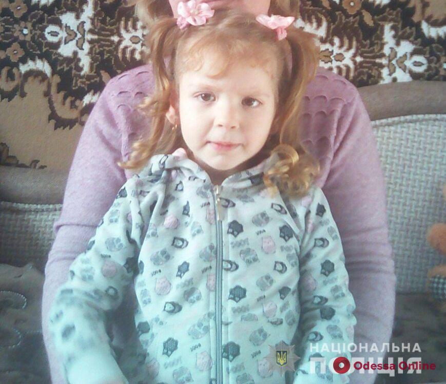 Ушли в больницу и не вернулись: в Одесской области ищут девушку с ребенком