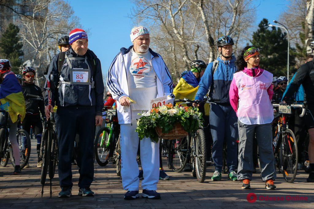 Одесская велосотка: более двух тысяч человек и сто километров (фоторепортаж)