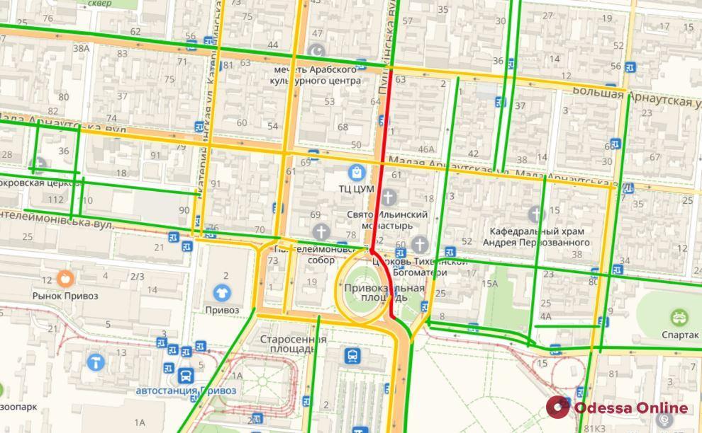 Дорожная обстановка в Одессе: пробки на Таирова и в центре