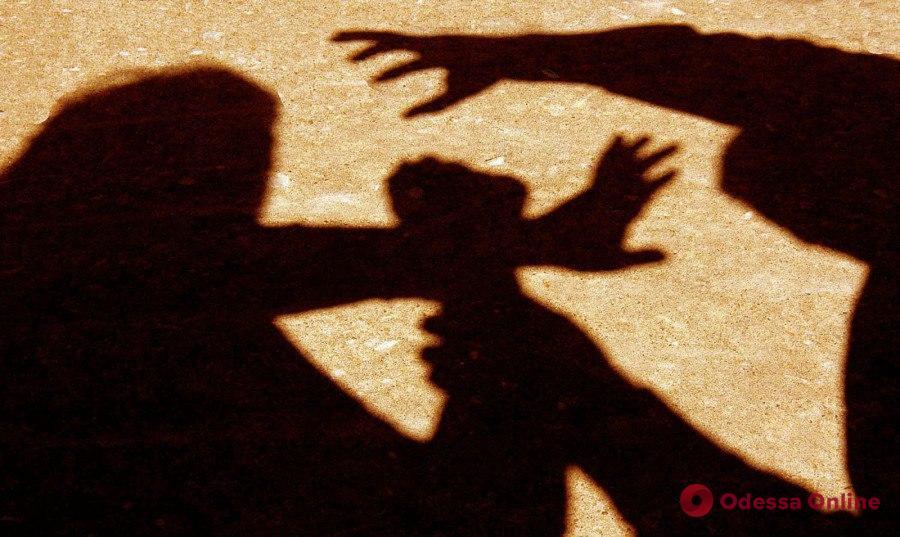 Нападал на женщин в парадных: одесский суд приговорил разбойника к тюрьме