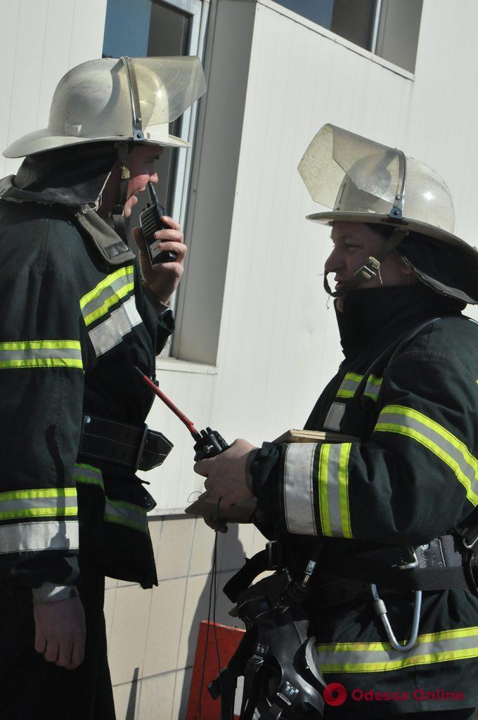 В здании Одесского морского вокзала боролись с условным пожаром