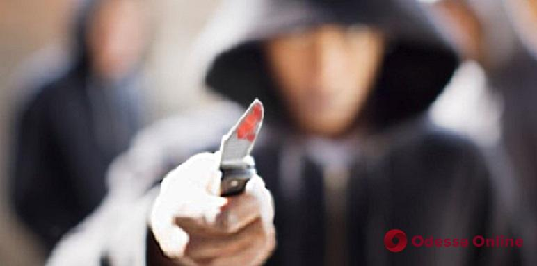 Одессит ударил курсанта ножом за отказ дать примерить фуражку