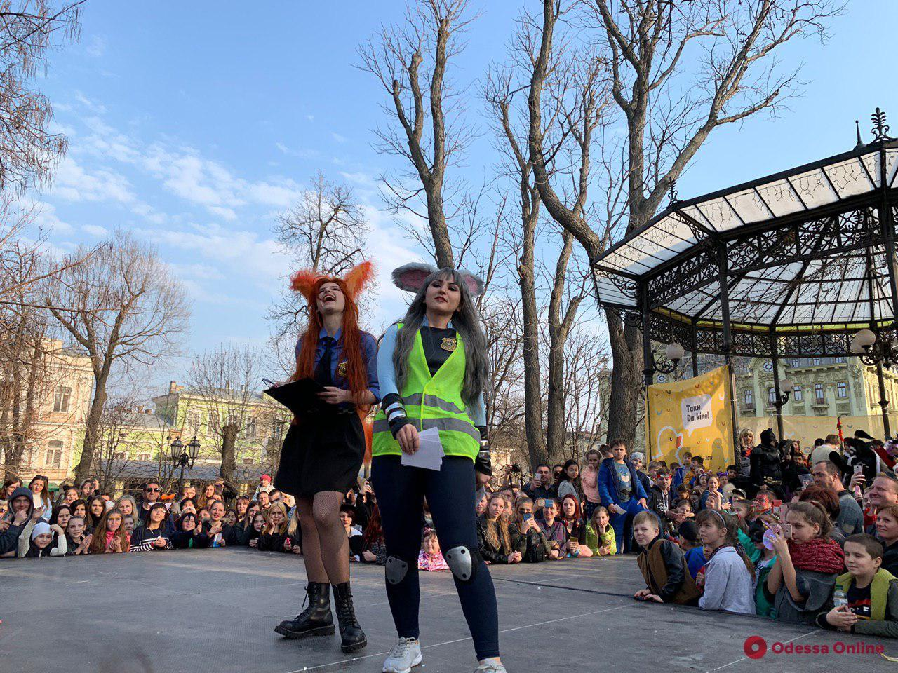 Локи, Аквамен и Велма: в одесском Горсаду проходит косплей-шоу (фото)