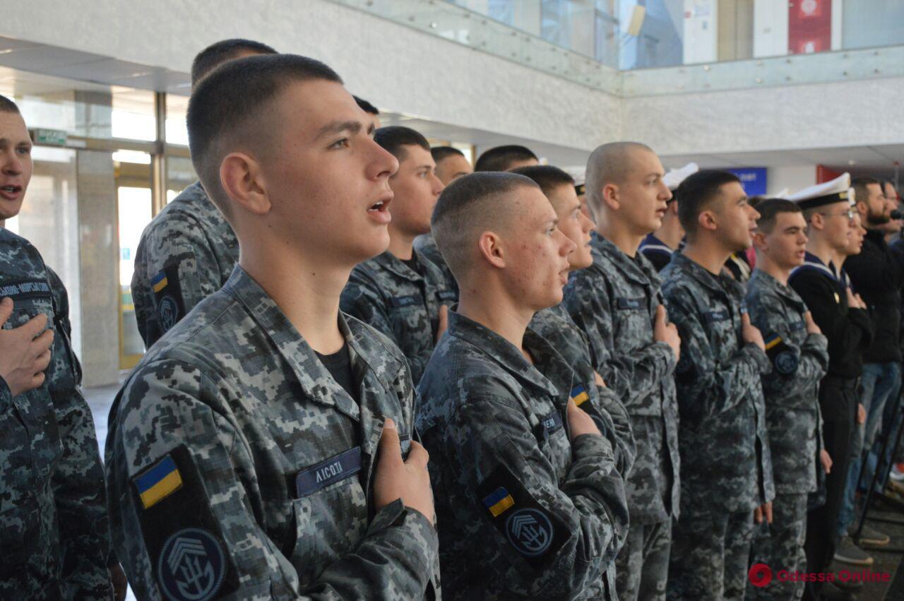 В Одессе открылась благотворительная выставка в поддержку пленных моряков