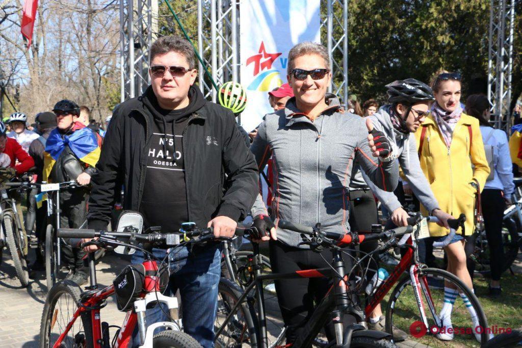 Участники из Европы, Америки и Африки: в Одессе стартовала традиционная «Велосотка»