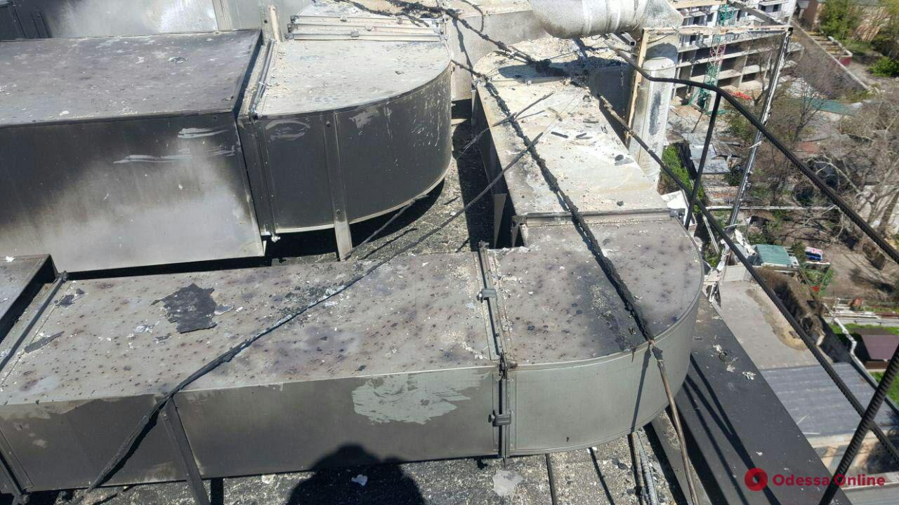 В Одессе горела многоэтажка (видео, обновлено)