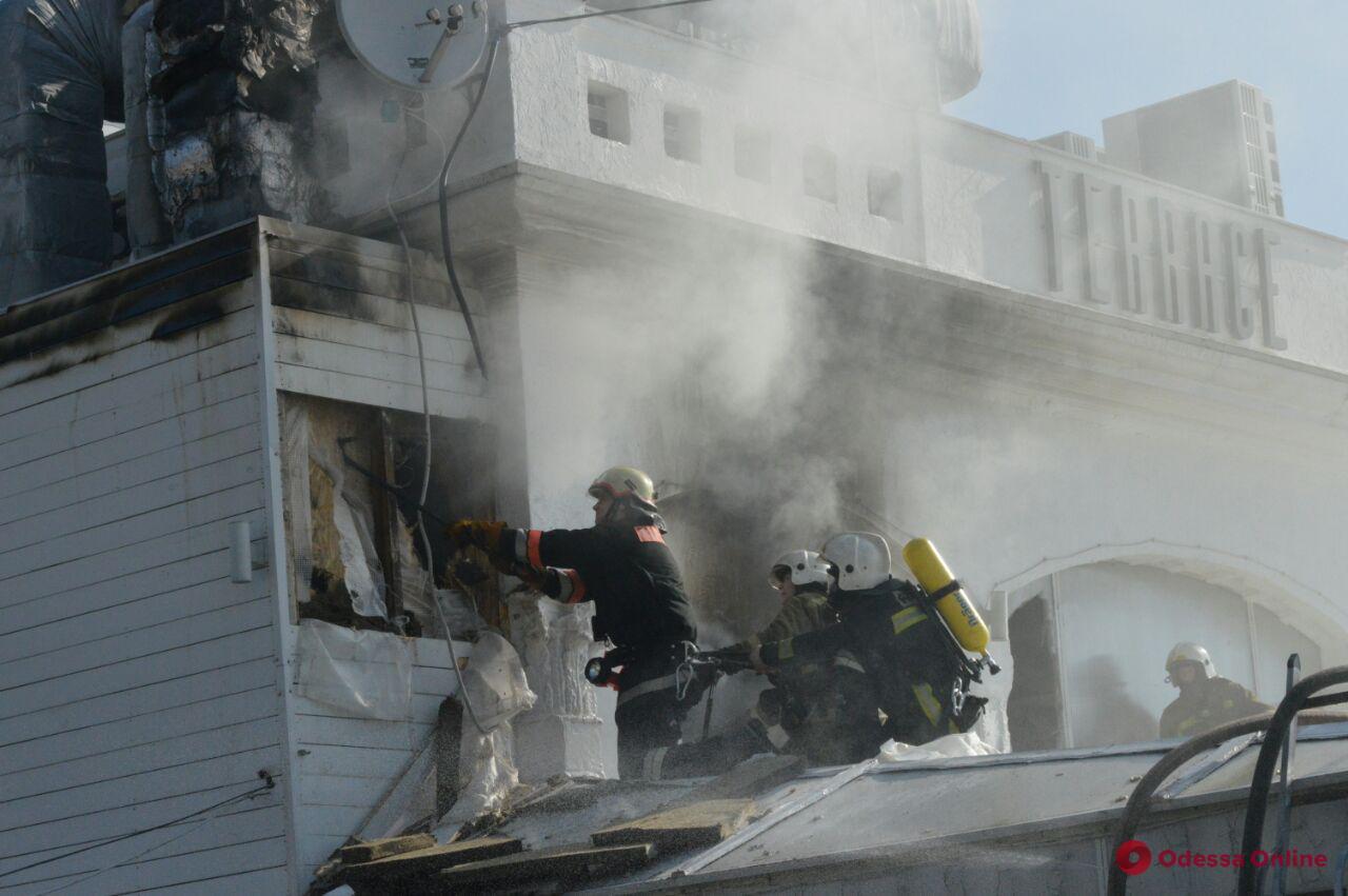 На Ланжероне горит ресторан — есть пострадавшая (обновлено)