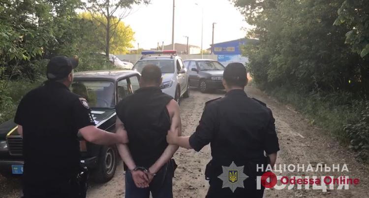 На железнодорожной станции под Одессой задержали грабителя