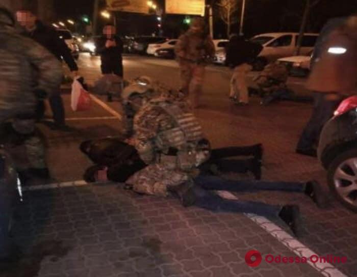 В Одессе задержали банду торговцев оружием и боеприпасами