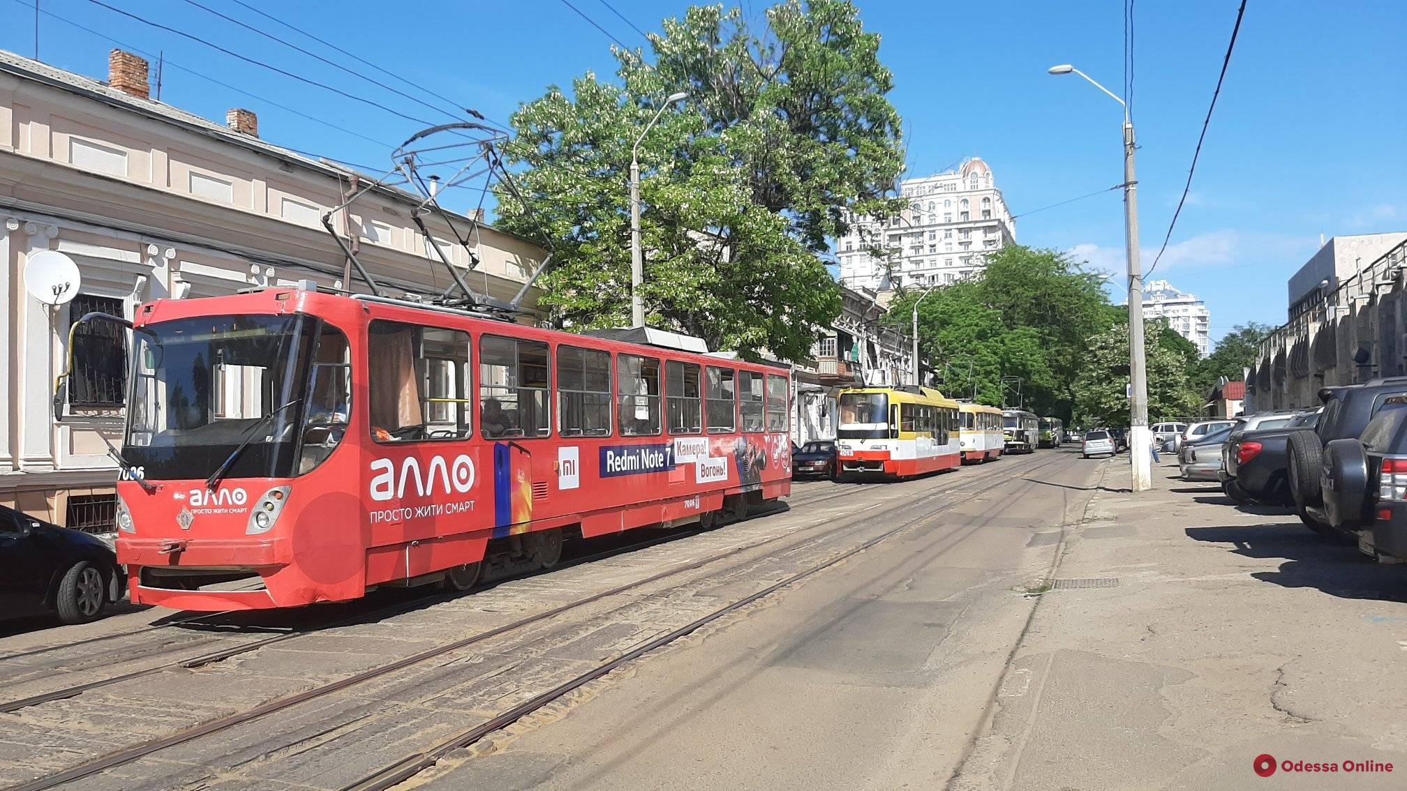 Из-за ДТП на Пантелеймоновской парализовано движение трамваев