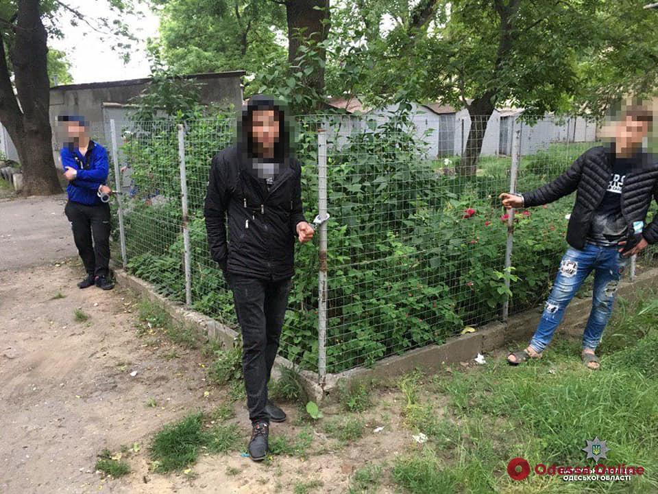 Одесские патрульные поймали с поличным гаражных воров
