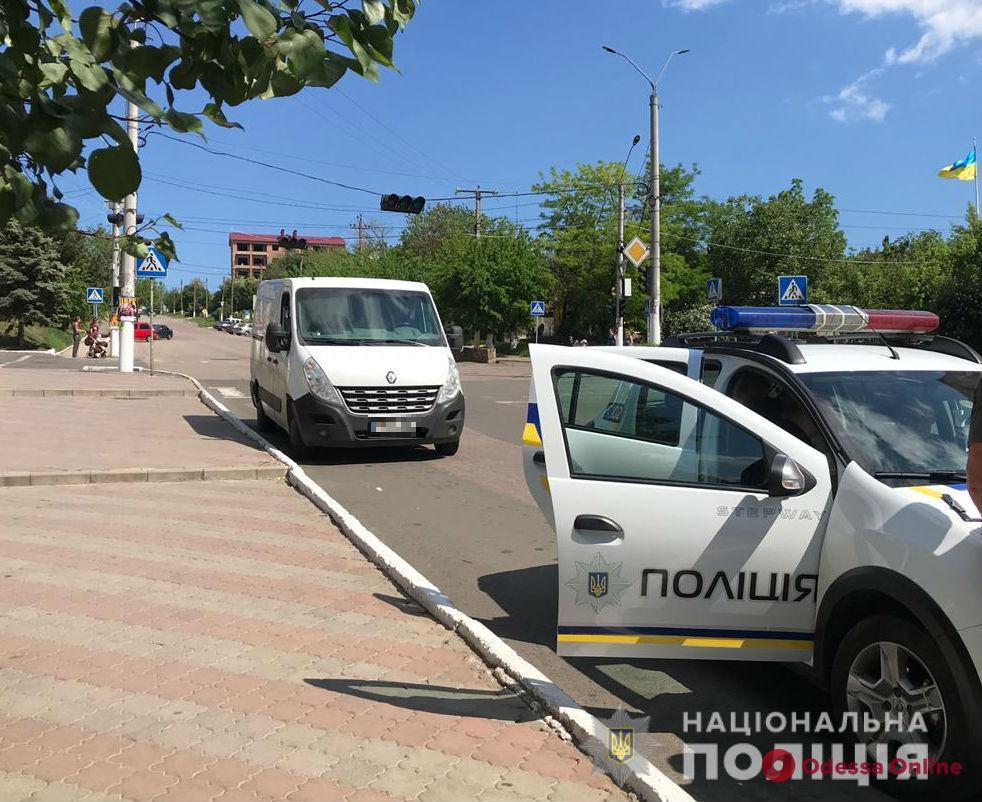 Под Одессой водитель микроавтобуса сбил 8-летнюю девочку