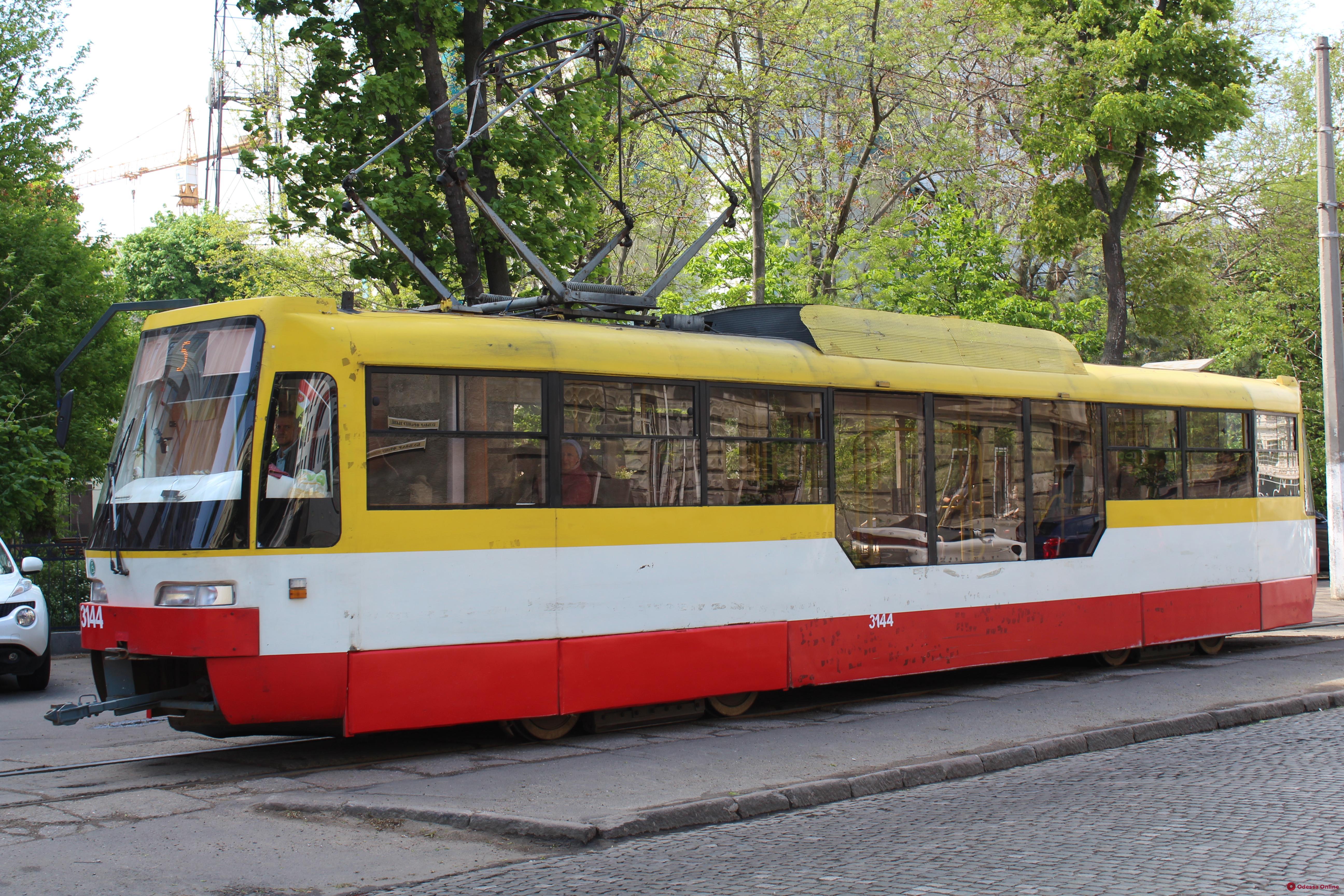В Одессе временно не ходят троллейбусы и трамваи по нескольким маршрутам (обновлено)