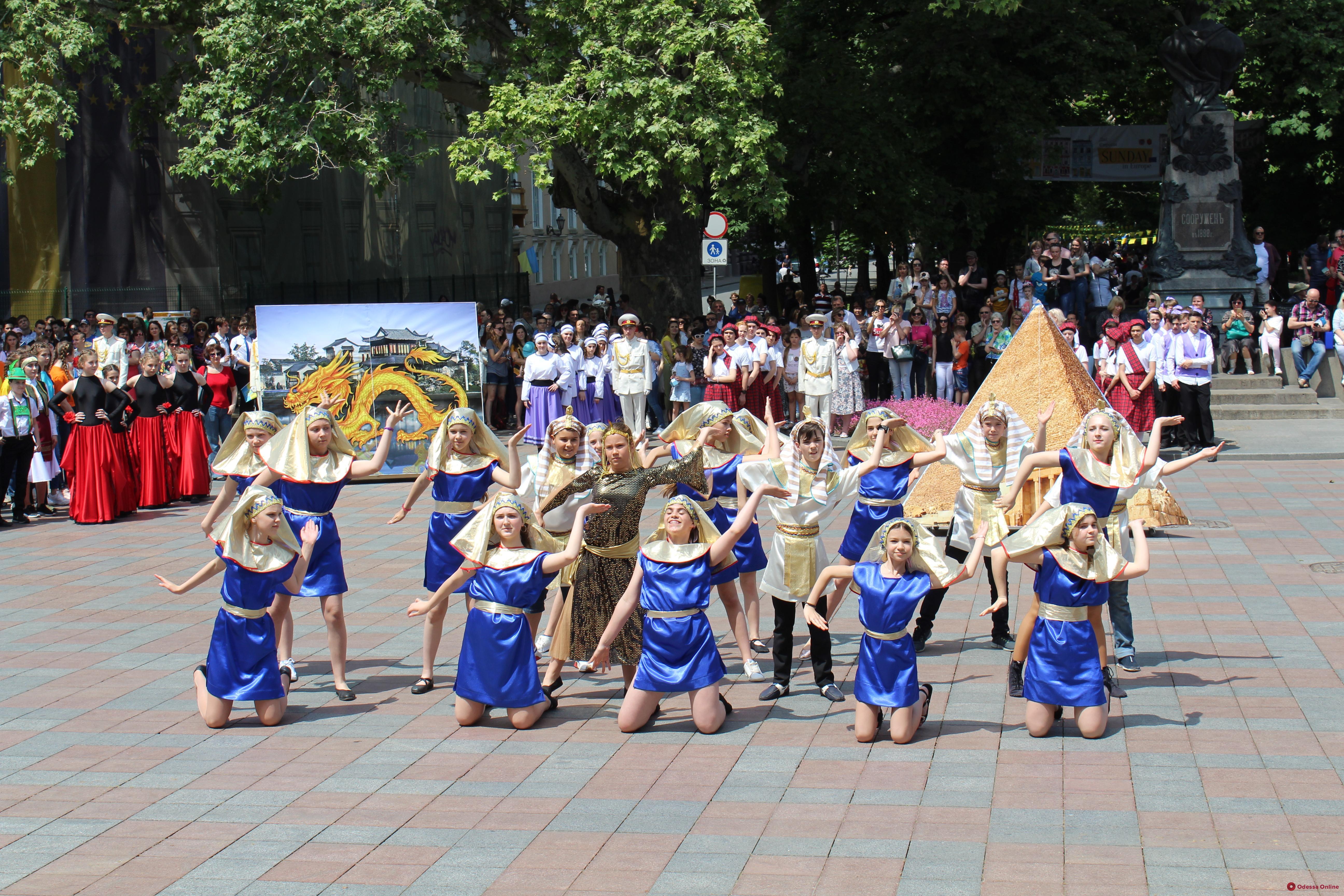 В Одессе на Приморском бульваре открылся «Еврогородок»