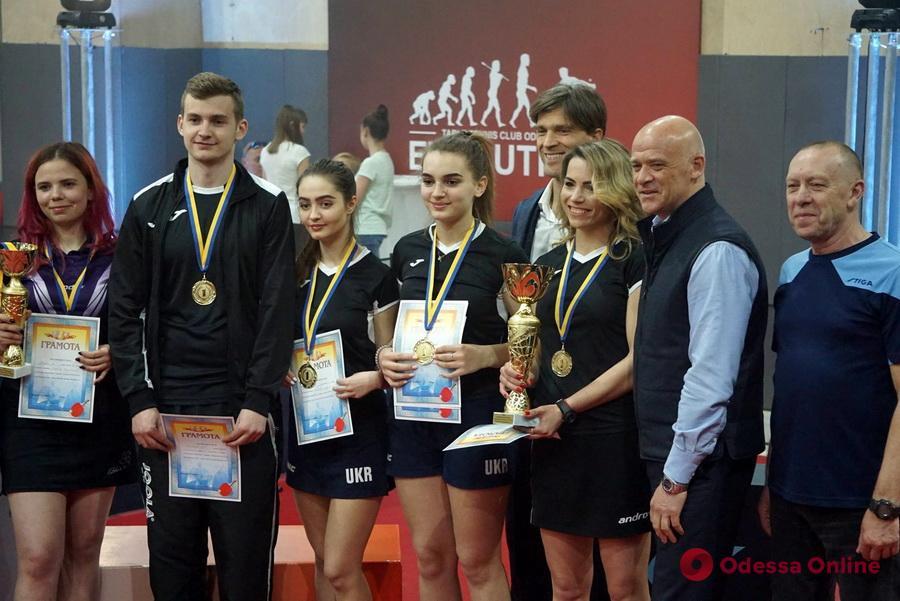 Настольный теннис: одесситки завоевали «золото» высшей лиги клубного чемпионата Украины