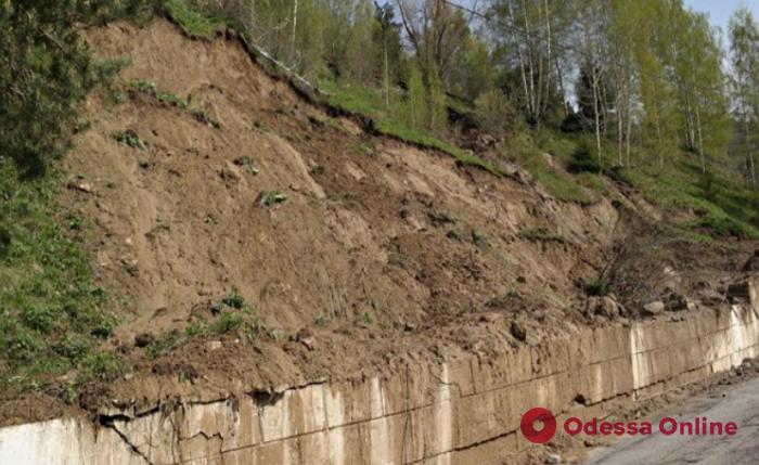 Одесса: на склоне в районе 411-й батареи произошел оползень