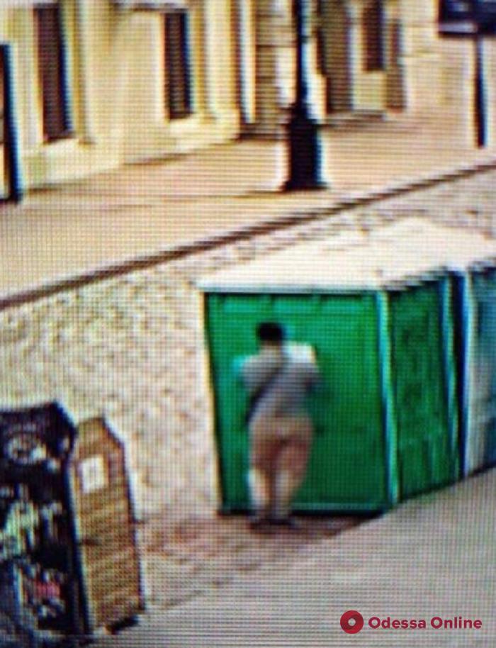 Одесский активист решил попиариться на биотуалетах для марафонцев