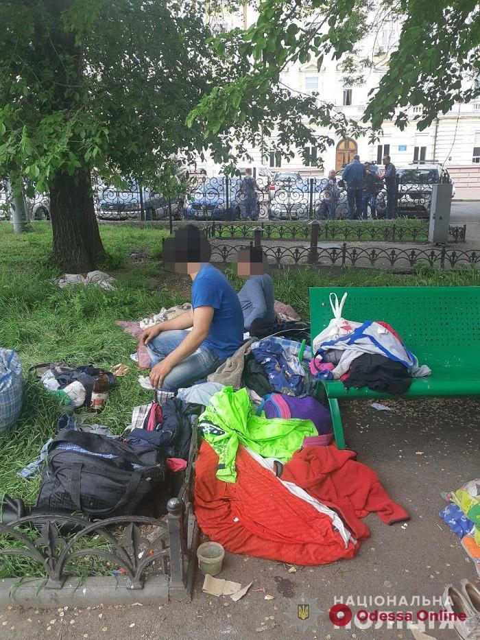 В Одессе полицейские забрали у горе-родителей четырех маленьких детей