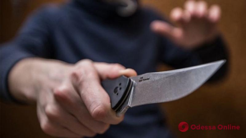 Двое одесситов с ножом напали на прохожего возле церкви