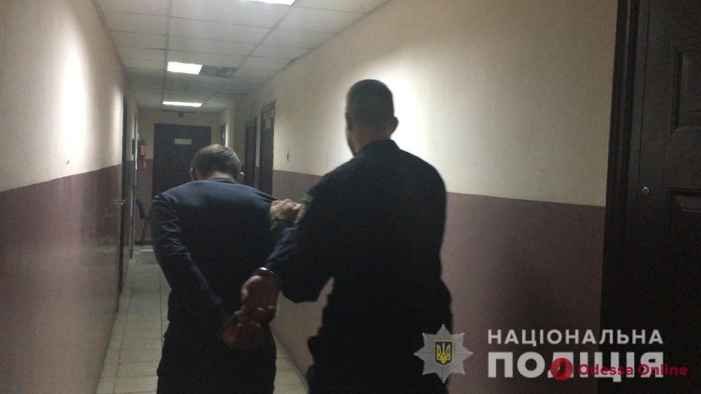 На поселке Котовского двое братьев избили и ограбили одесситку