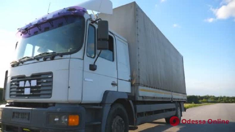 В Одессе иностранец обокрал водителя грузовика