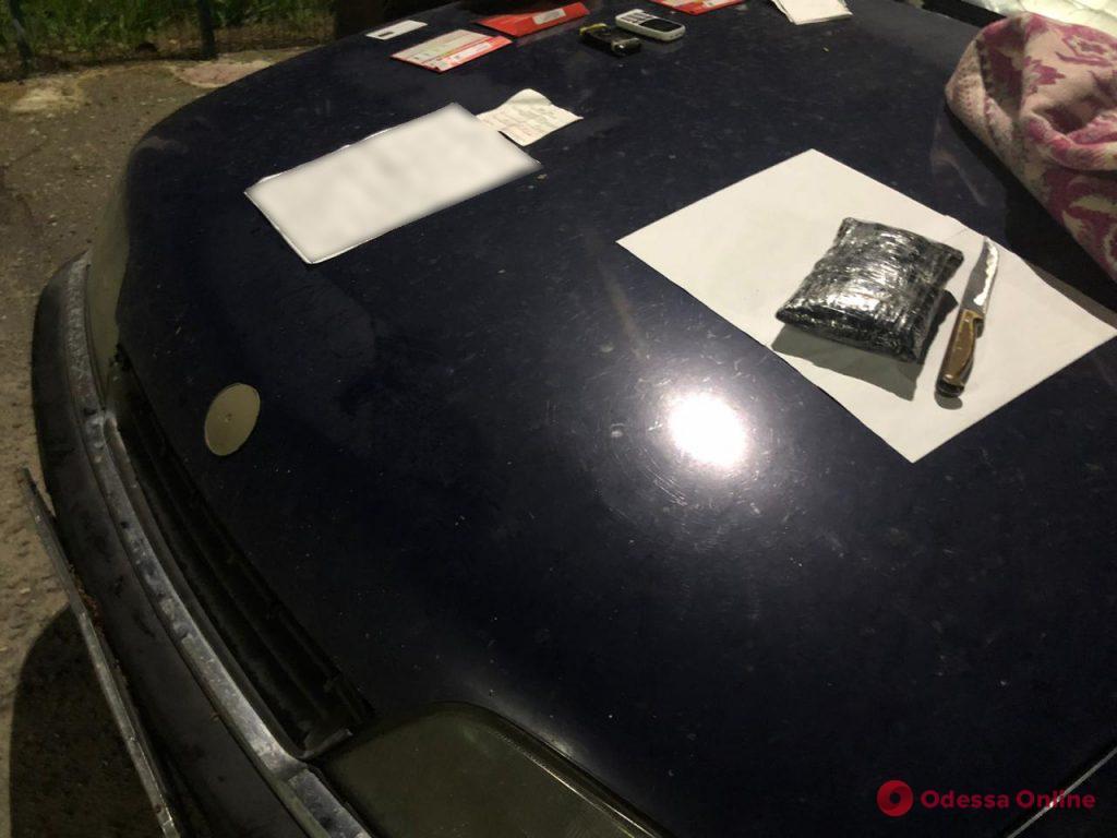 Доставляли героин из России: в Одессе поймали группу вооруженных контрабандистов (фото, видео)
