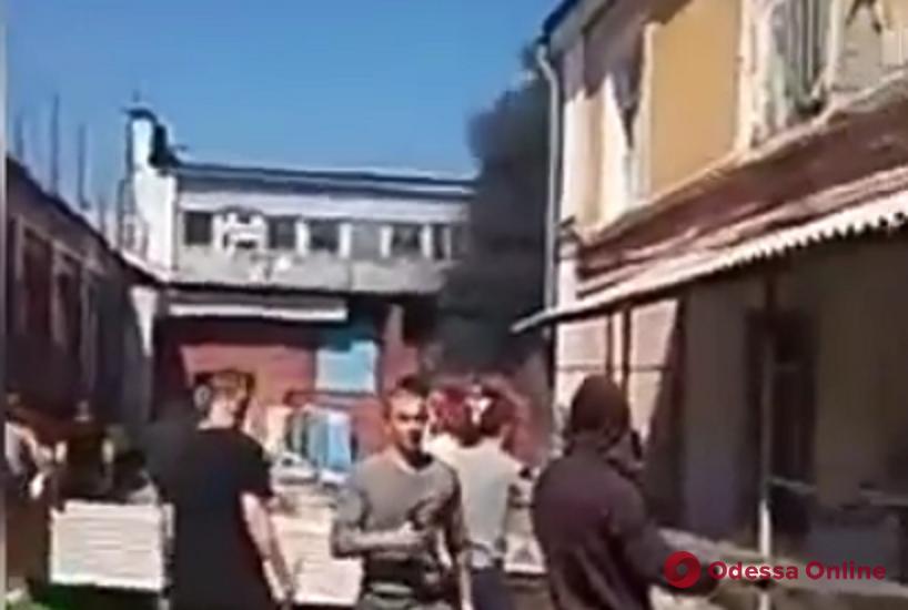 Бунт в одесской колонии: в сети появилось видео из тюрьмы, снятое заключенным
