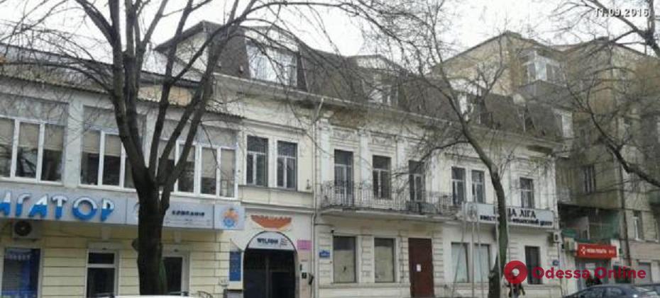 В мэрии ведут борьбу с незаконной стройкой в переулке Маяковского