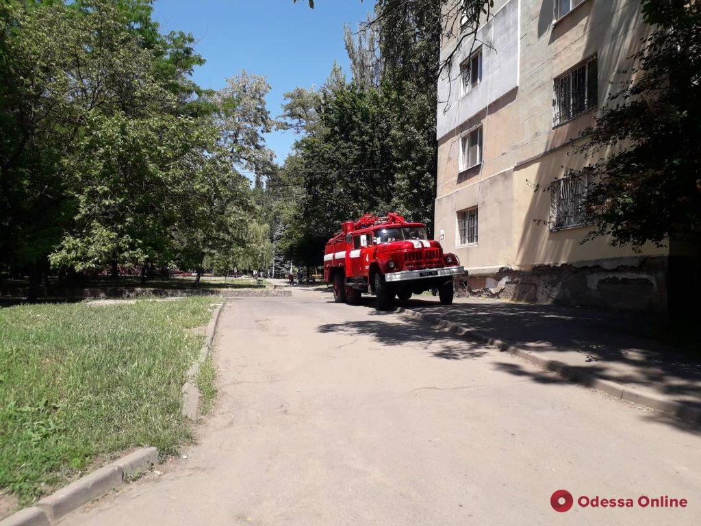 В пятиэтажке на поселке Котовского тушили пожар (фото)