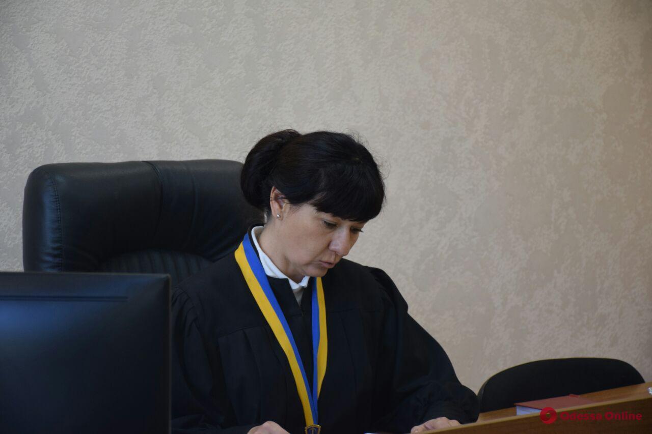 Одесса: «пьяный следователь на Лексусе» пытается восстановиться в должности