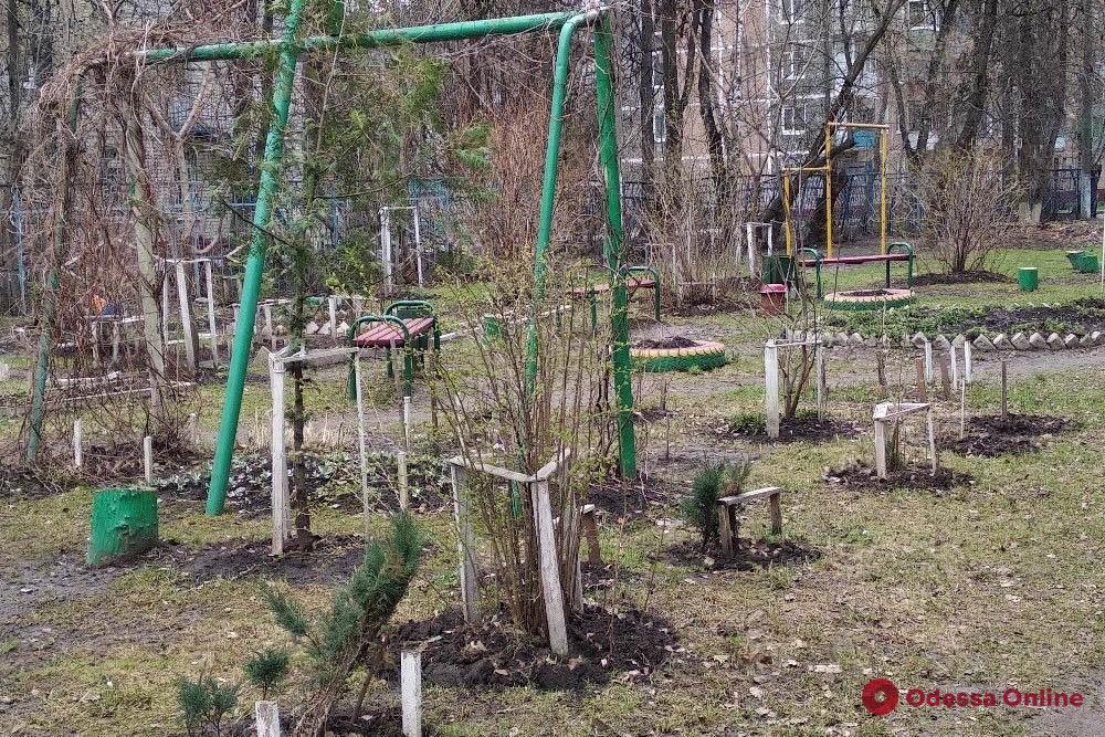 В Одессе на спортивной площадке повесился молодой мужчина
