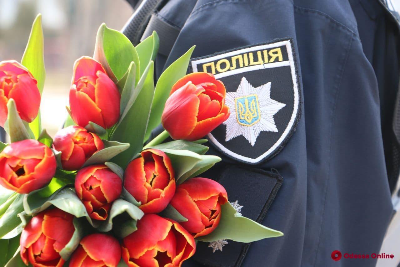 Дети одесских полицейских рассказали о своих мамах в погонах (видео)