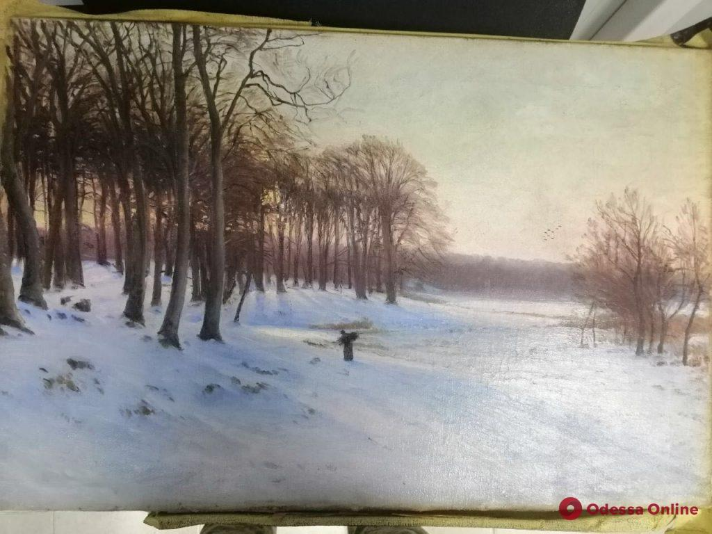 Одесская область: молдаванин перевозил в Украину картины разных авторов
