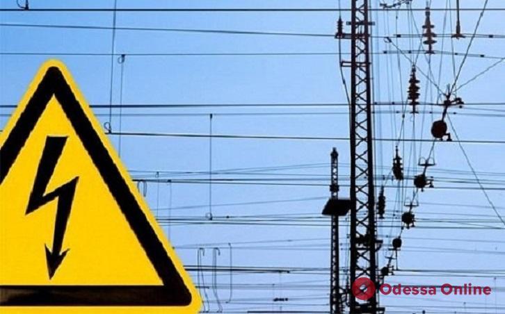 Одесским школьникам рассказали, чем грозит селфи на крыше поезда