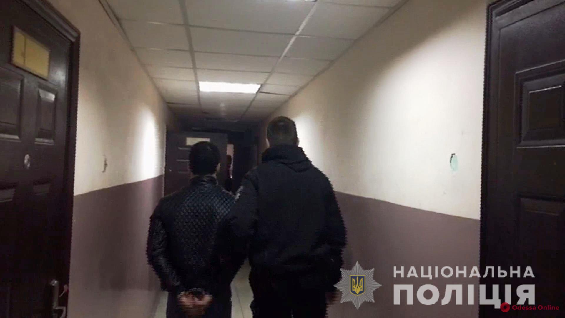 В Одессе разбойник-рецидивист напал на иностранца