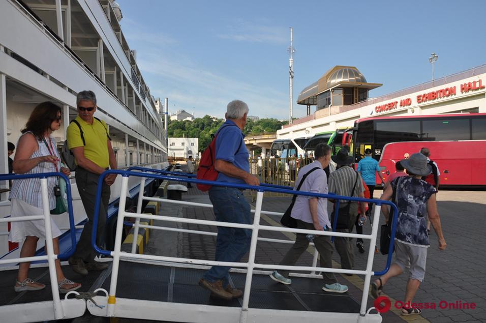 Круизный сезон в Одессе открыл теплоход с американцами на борту