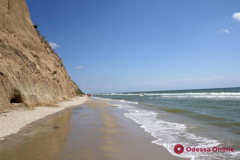 Арендаторы одесских пляжей задолжали городу 900 тысяч