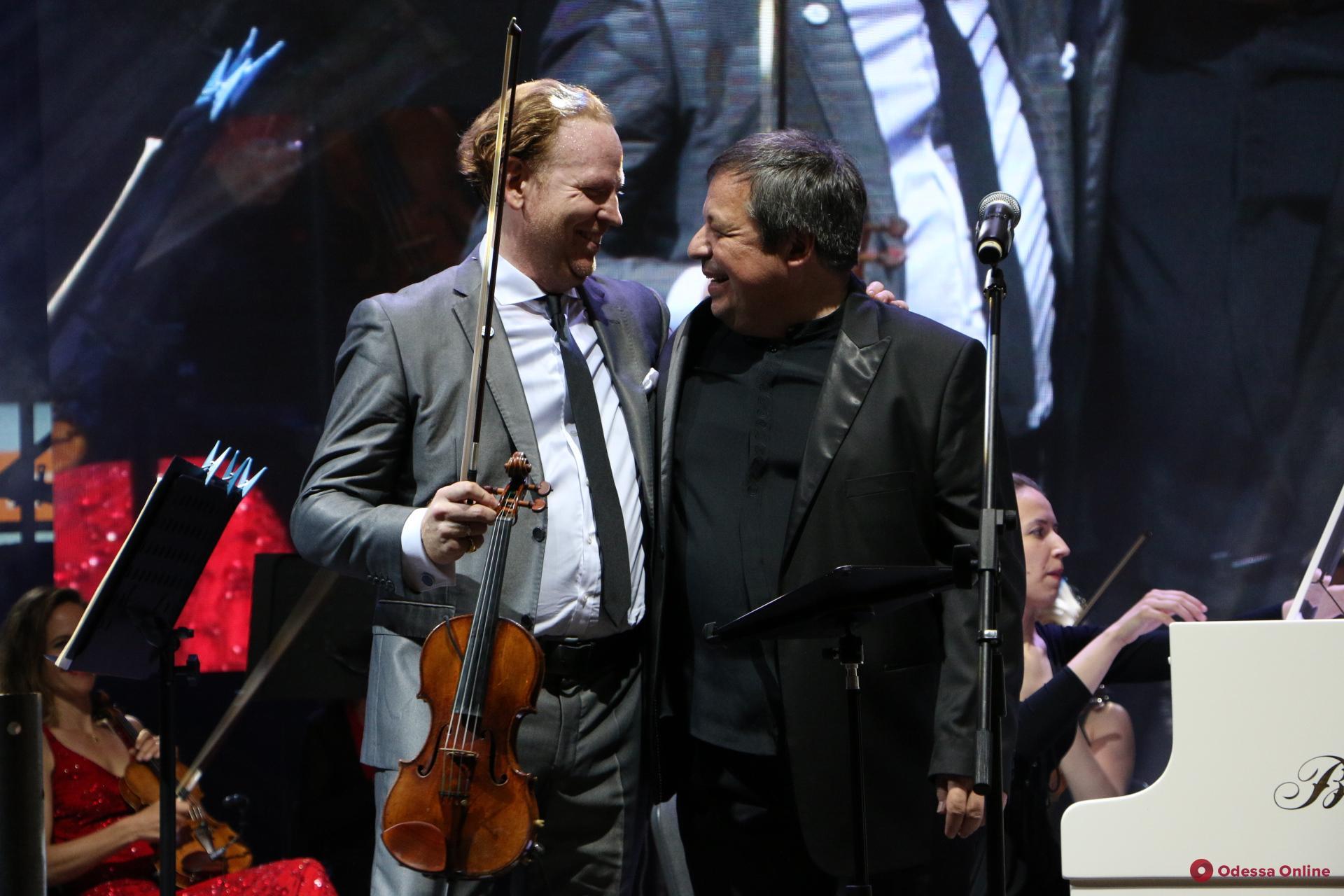 Ботвинов и Хоуп: на Потемкинской лестнице играли классику