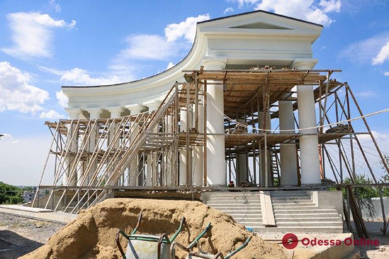 Реставрация Воронцовской колоннады завершится в июле