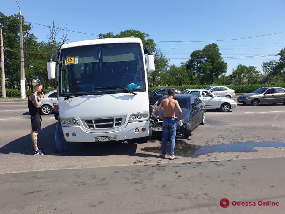 В Одессе автобус с киевскими школьниками попал в ДТП (обновлено)