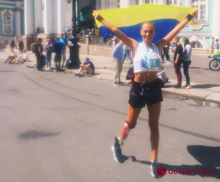 Представительница Одессы пробежала марафон на протезе