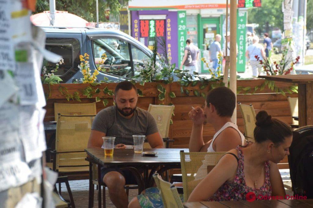 Знойная Одесса: как горожане спасаются от жары