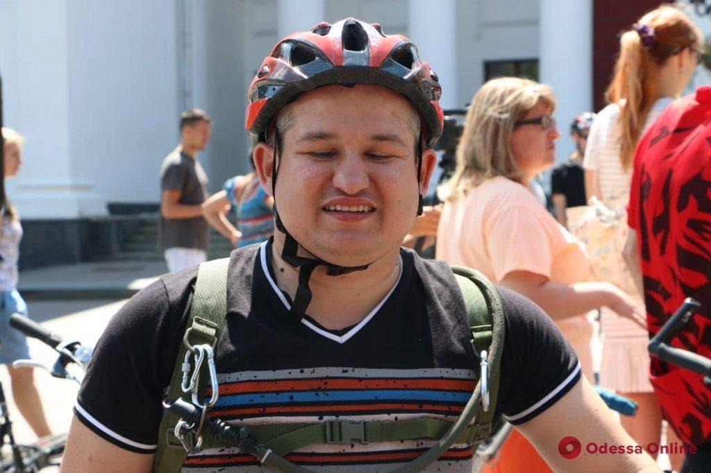 В Одессе стартовал необычный велопробег (фоторепортаж)