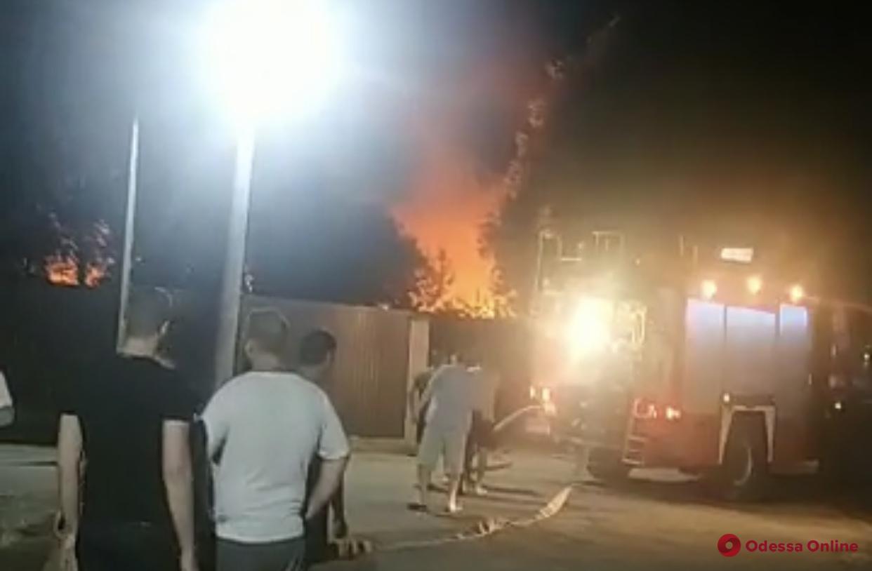 В Одессе горит психиатрическая больница (обновлено)