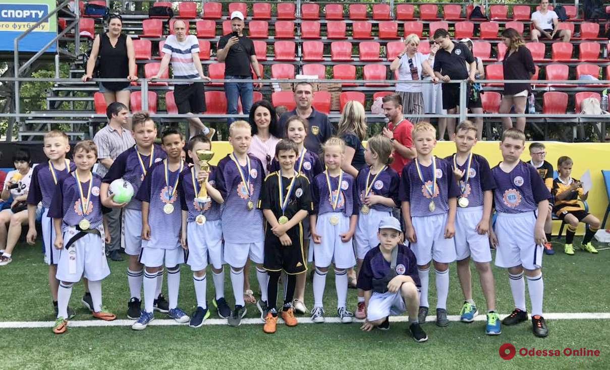 Одесские школьники выиграли чемпионат Украины по бесконтактной версии регби