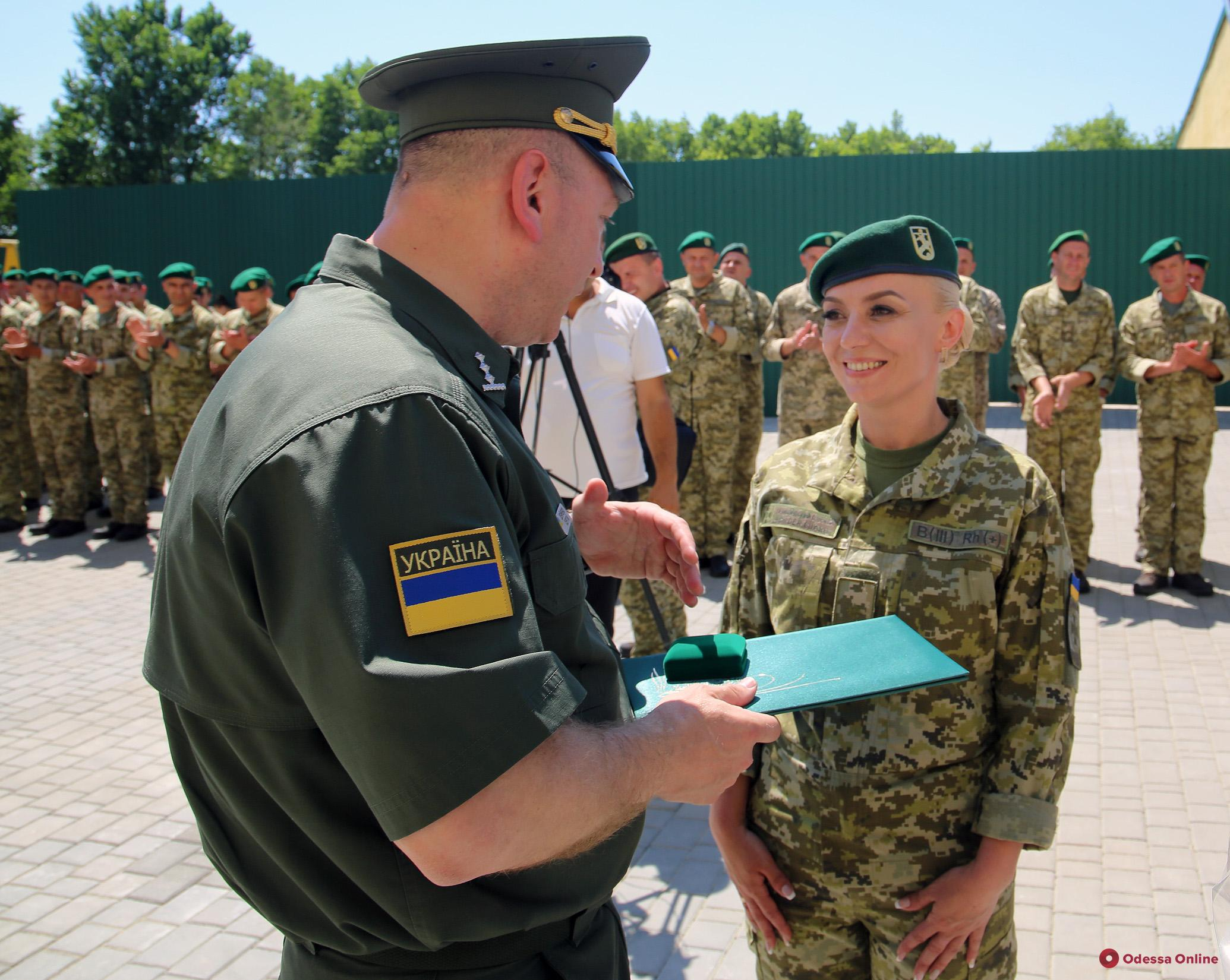 Одесская область: пограничникам вручили ключи от квартир (фото)
